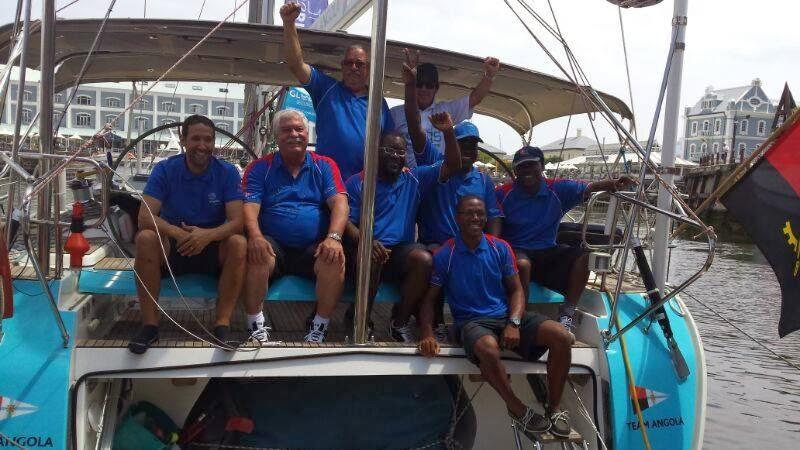L'equipaggio di Bille prima della partenza da Cape Town