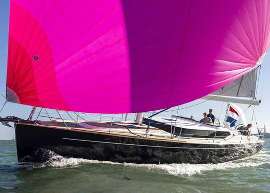Contest 42CS, Luxury Cruiser
