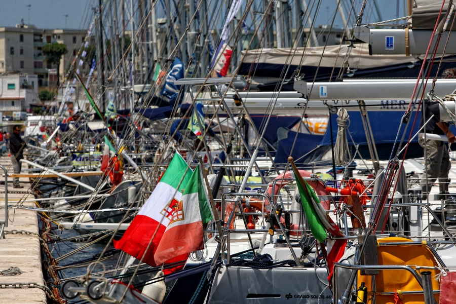 Barche in banchina a Brindisi per la Regata Internazionale