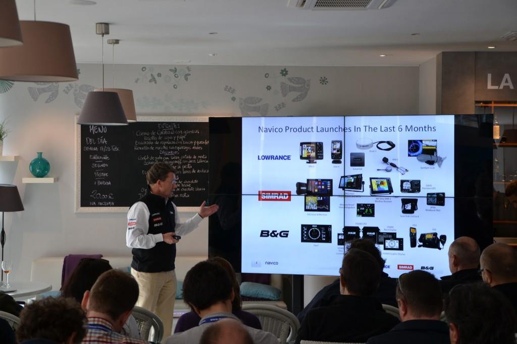 Leif Ottosson, CEO e Presidente del gruppo Navico, illustra alla platea di gionalisti atterrati a Palma di Maiorca le novità della holding e le strategie per il futuro