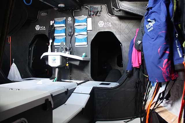L'interno di Team SCA. Nei VO65 gli spazi sono più ottimizzati rispetto ai Volvo 70