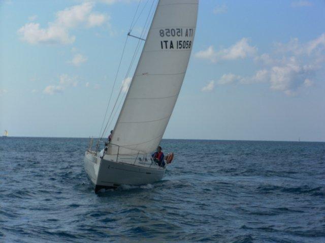 """L'Associazione Velica Granlasco ha messo a disposizione barche e istruttori per il progetto terapeutico """"Il Laboratorio della Vela"""""""
