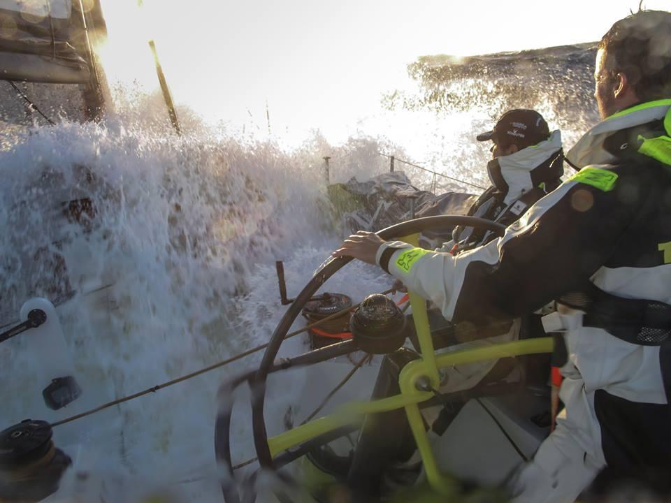 Prime emozioni dai Volvo Ocean 65. Team Brunel vola tra le onde nel trasferimento verso le Canarie. Foto Essink/Team Brunel