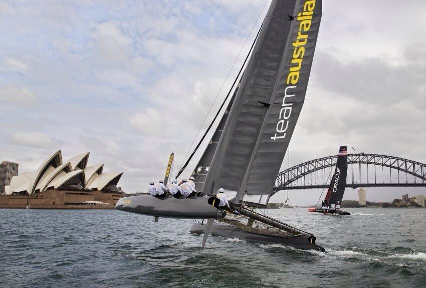 L'AC45 di Team Australia nella Baia di Sydney