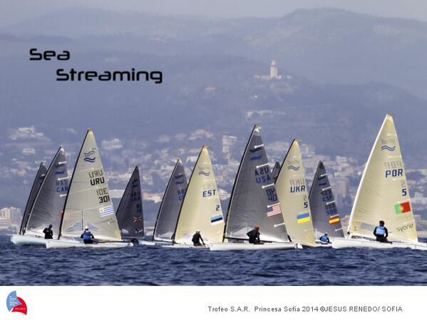 La flotta Finn in regata oggi a Palma. Foto Renedo