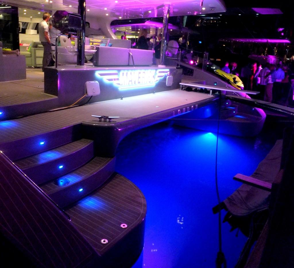 EOS della Lumishore è un innovativo sistema di illuminazione marina per barche e porti