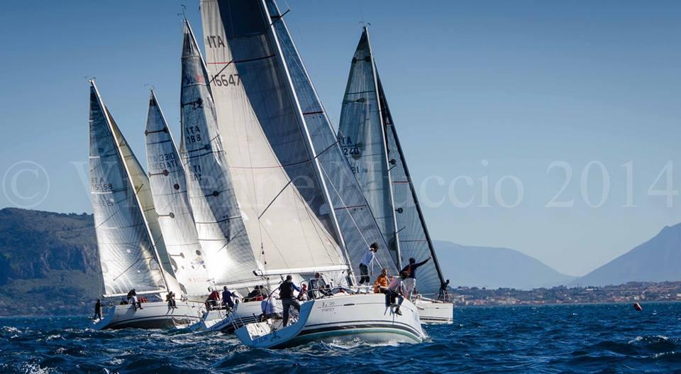 In regata nel golfo di Palermo