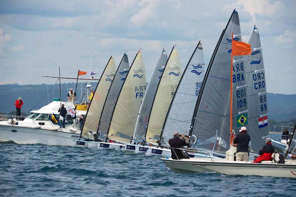 La partenza della Medal Race Finn. Foto Touw