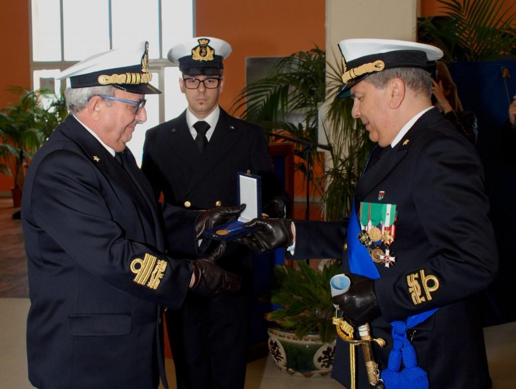La consegna della medaglia d'oro al Merito di Marina