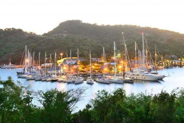 La flotta ormeggiata al Nelson Dockyard di Antigua