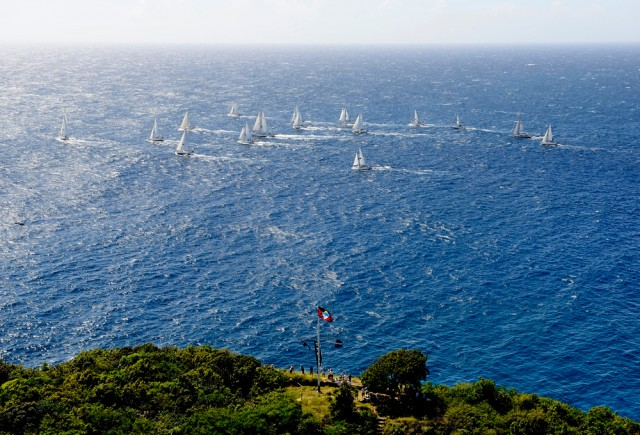 La partenza da Antigua, nelle Leeward, l'8 gennaio 2013. Il loro giro del mondo durerà un anno e tre mesi