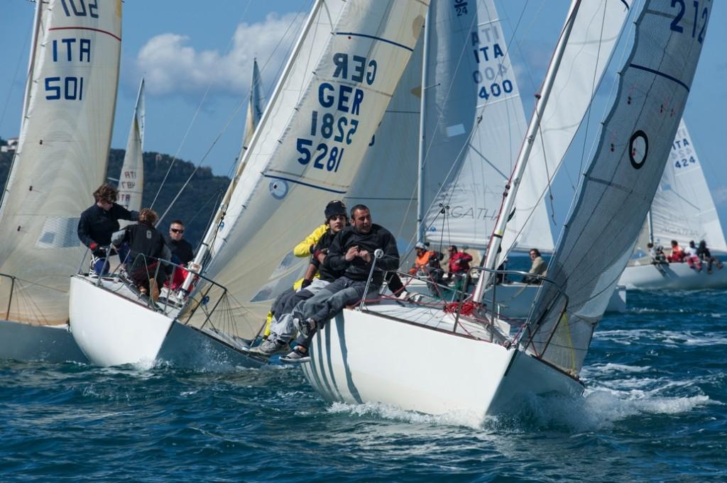 J24 in regata all'Argentario