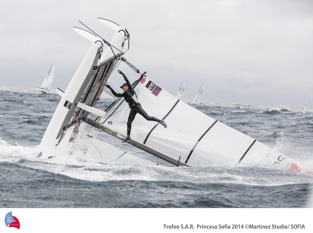 La scuffia dell'equipaggio svizzero nei Nacra 17. Foto Martinez