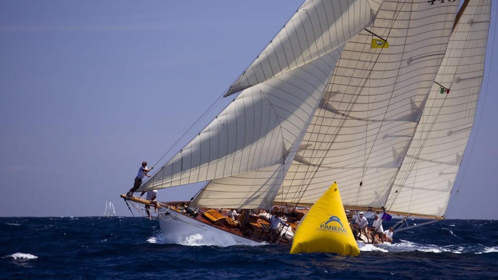 Inizia con l'Antigua Sailing Week la X edizione del Panerai Classic Yacht Challenge, circuito dedicato alle vele'd'epoca