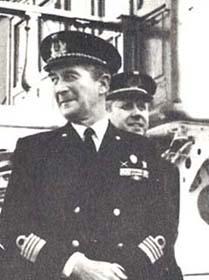 il comandante Straulino sul Vespucci