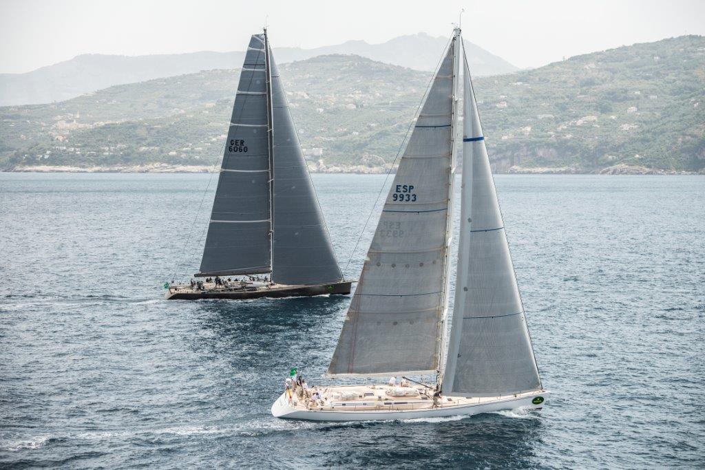 Maxi in regata durante l'edizione 2013