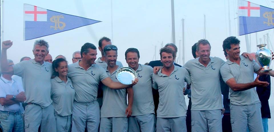 L'equipaggio di Giochelotta sul podio