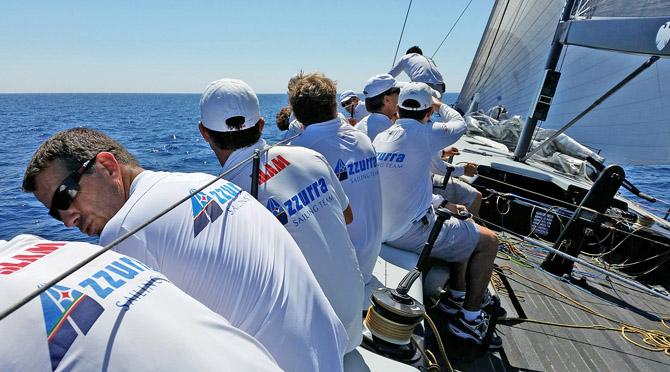 A bordo di Azzurra nella practice race di oggi. Foto Luzzato/Azzurra