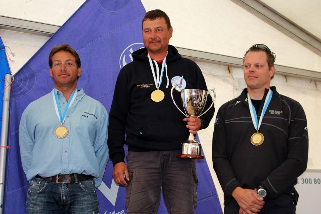 Walter Riosa sul podio deila categoria Master. Foto Deaves
