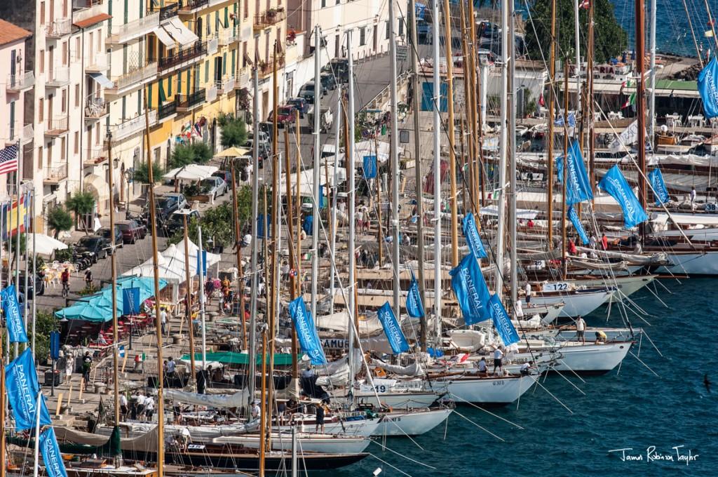 Gli yacht d'epoca alla Pilarella nell'edizione 2013. Foto Taylor