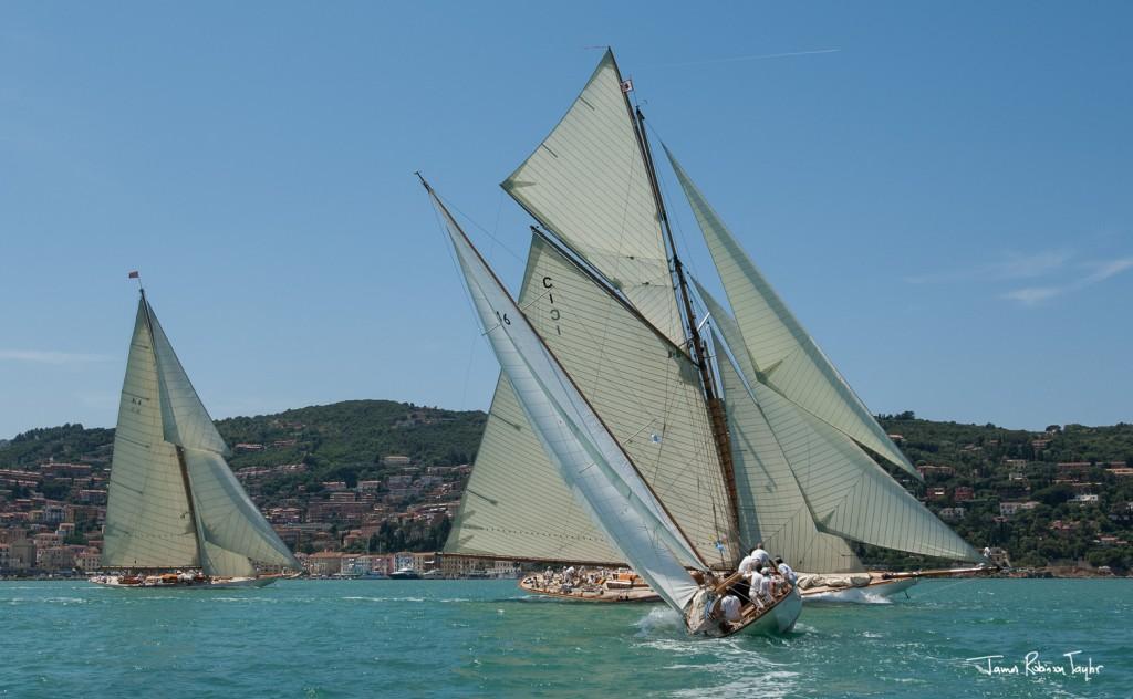 Spettacolo all'Argentario con le vele d'epoca. Foto Taylor