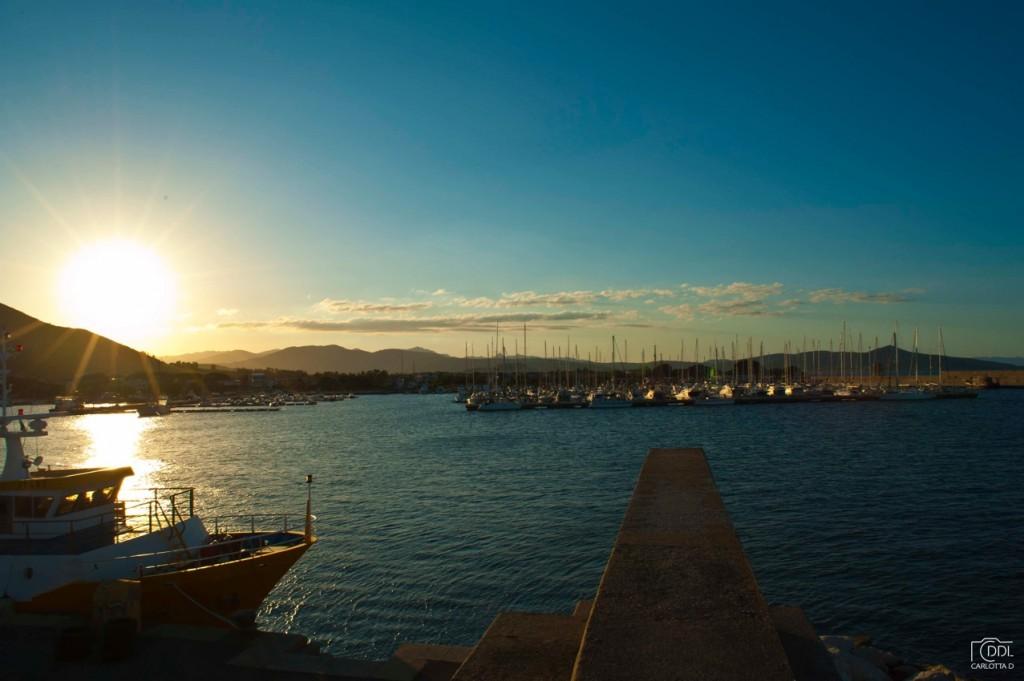 Il porto di La Caletta (Siniscola), molto comodo per spezzare la tratta della Sardegna orientale. Foto Domenici De Luca