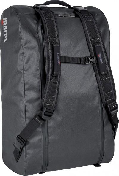 Mares Cruise Backpack Dry è una borsa leggera dal peso inferiore a 1,5 kg. Prezzo: euro 99