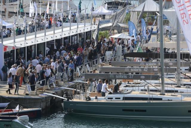 Sailing World è l'area dedicata alla vela: comprenderà l'intera darsena interna per esporre fino a 120 barche in acqua e oltre 6.000 mq di spazio a terra