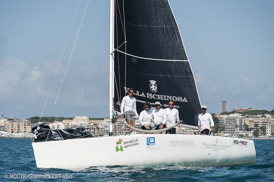 L'equipaggio vincitore. Foto Di Fazio