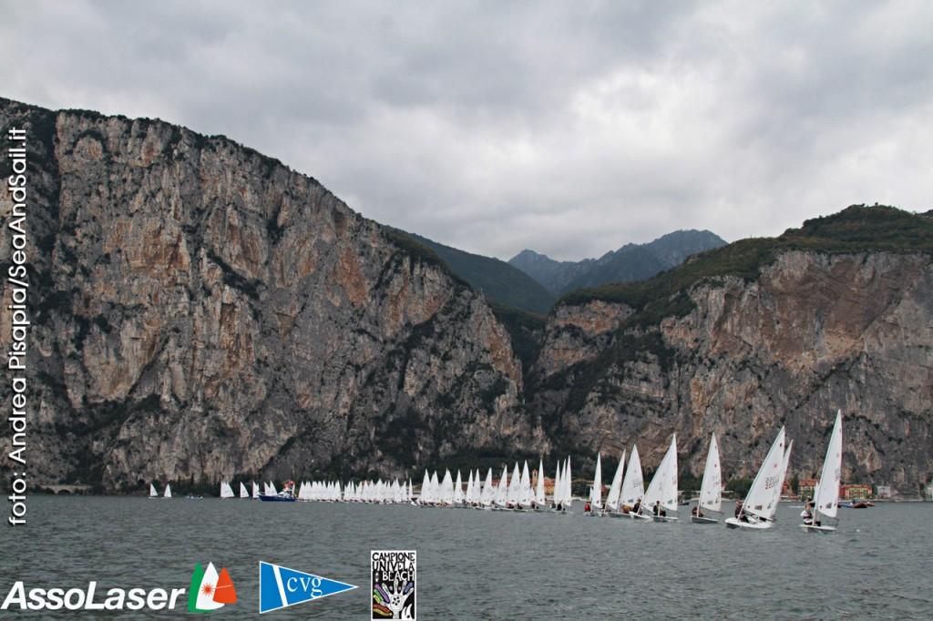 Una partenza a Campione. Foto Pisapia/Assolaser