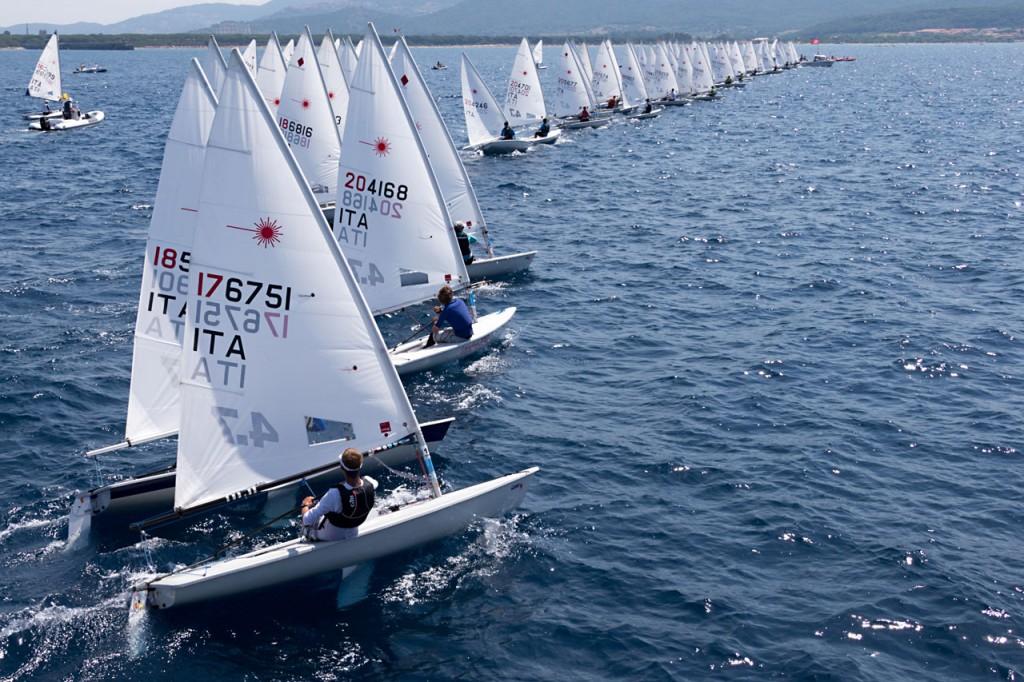 Una partenza della flotta dei 4.7. Foto Assolaser