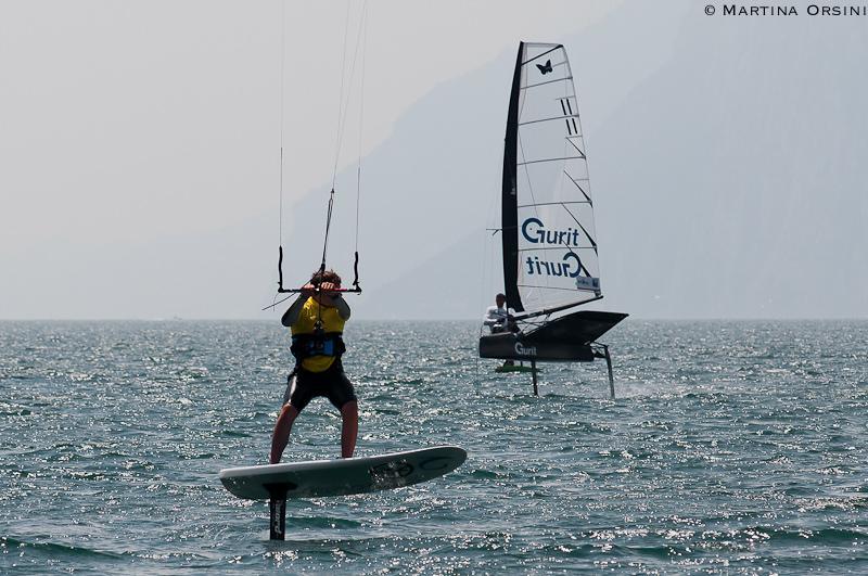 Moth e foiling kite a Torbole. Foto Orsini