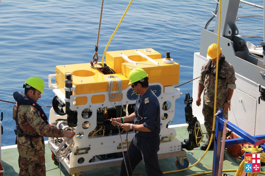 L'Istituto Nazionale di Geofisica e Vulcanologia (INGV) si è avvalso della tecnologia della nave idrografica Galatea per il monitoraggio delle due grandi aree vulcaniche europee del Monte Etna e dei Campi Flegrei-Vesuvio e con l'obiettivo di mitigare il rischio vulcanico in questi territori densamente popolati.