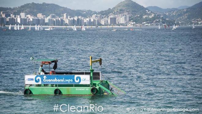 Ecoboat in azione nella Guanabara Bay. Foto Kaufmann