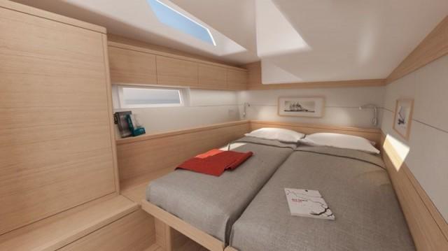 La cabina di poppa presenta letti uniti che, grazie a un ingegnoso sistema, possono scorrere ed essere separati
