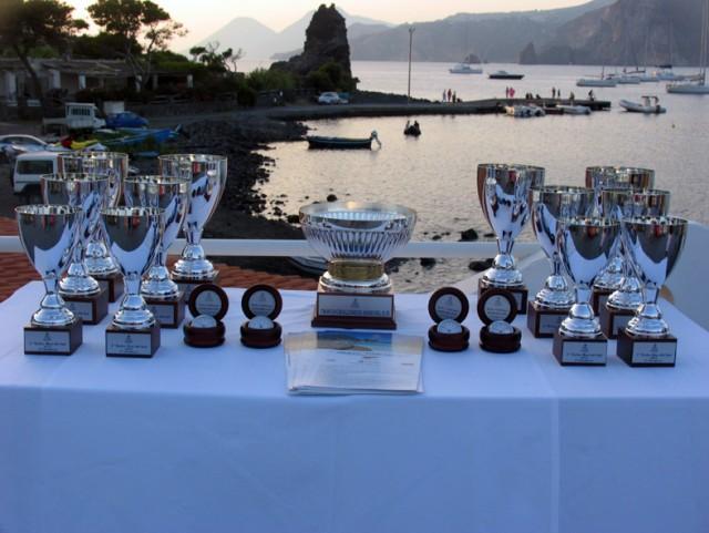 La premiazione della prima edizione del Trofeo Mari del Sud sulla rotta Palermo-Vulcano