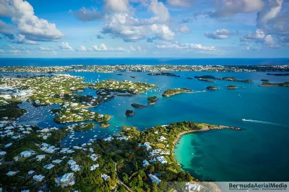 Bermuda. Foro Bermuda Aerial Media