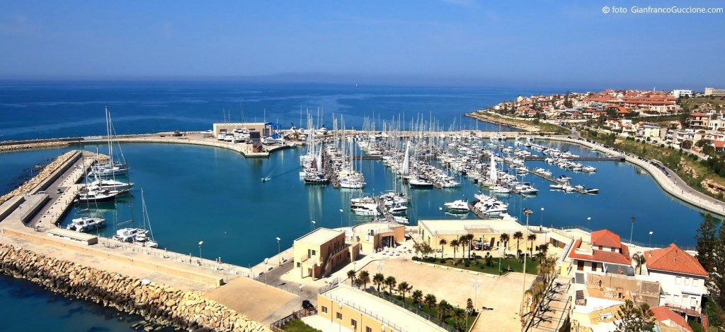 Il Porto Turistico Marina di Ragusa, che può ospitare barche fino a 60 metri di lunghezza, festeggia domani il suo quinto anniversario