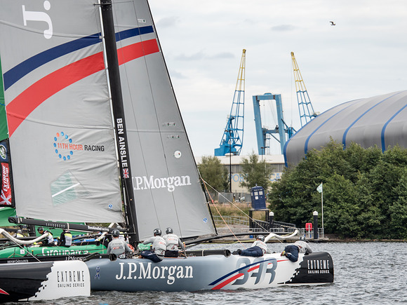 Ben Ainslie Racing a Cardiff. Foto Lloyd Images