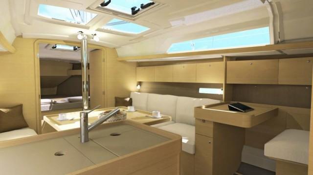 Gli interni guadagnano in abitabilità e volumi se si opta per la versione a 2 cabine. Ad avvantaggiarsene sono soprattutto il bagno e il tavolo da carteggio
