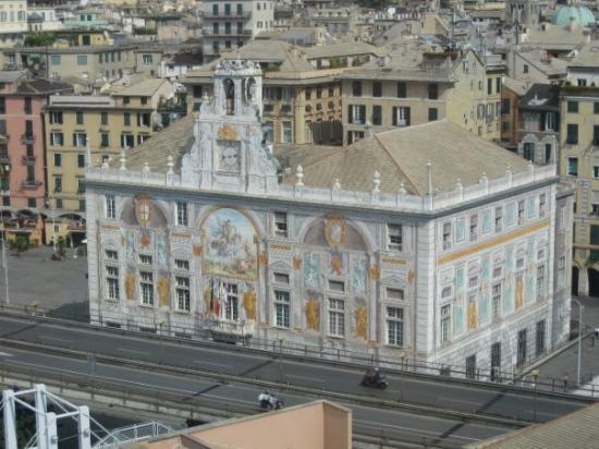 Lo storico Palazzo San Giorgio, una delle dimore a disposizione degli espositori per organizzare meeting, convegni e conferenze stampa