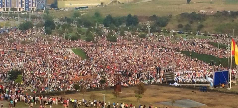 Le migliaia di persone alla Cerimonia d'Inaugurazione al Las Llamas di Santander