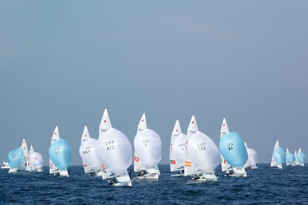 470 in regata oggi a Santander. Copyright AGENCIA INTERACTIVA BALEAR