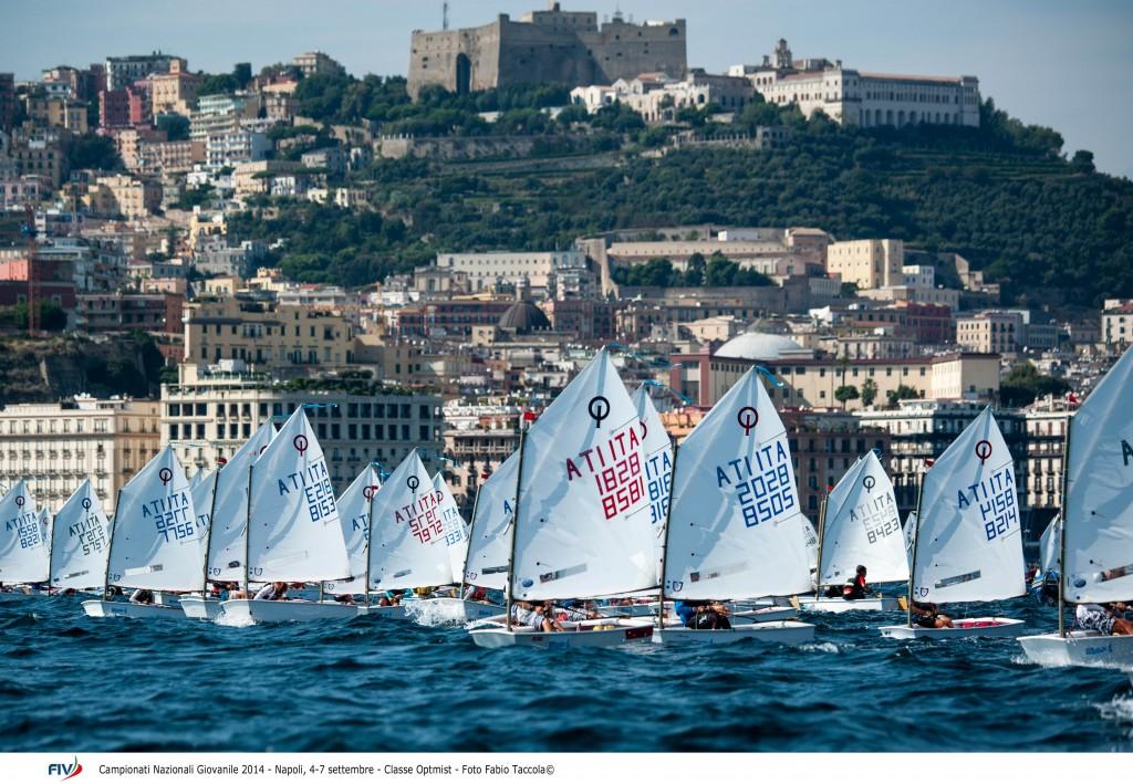 Optimist oggi in regata a Napoli. Foto Taccola/FIV