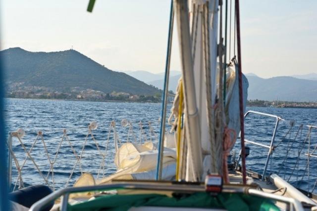 In avvicinamento a La Caletta, fine della circumnavigazione della Sardegna