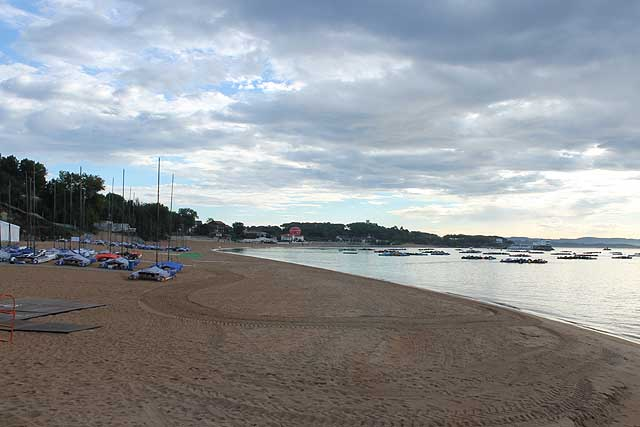 I Nacra sulla spiaggia della Magdalena. Foto Tognozzi