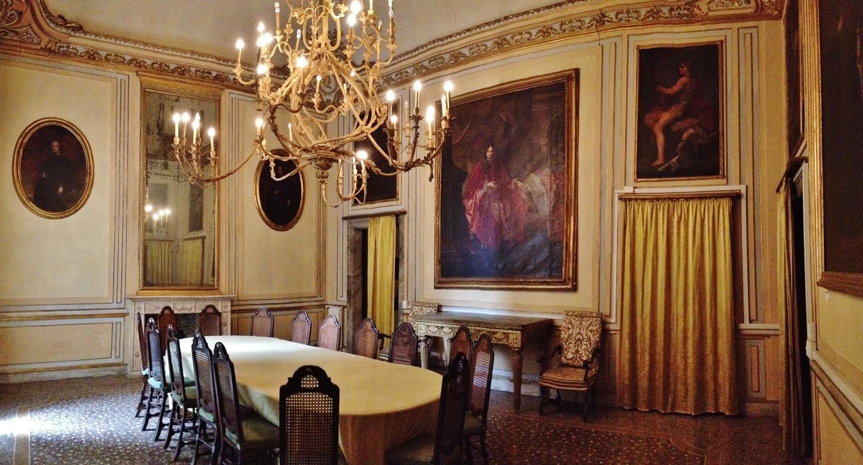La Sala Da Pranzo Di Palazzo Cattaneo Una Delle Dimore Storiche  #6E3F26 1772 955 La Cucina Disegni Per Bambini