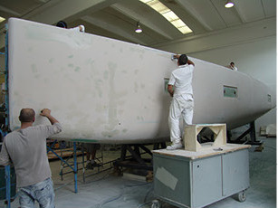 L'Advanced A44 in fase di costruzione negli stabilimenti di Monterado, in provincia di Ancona