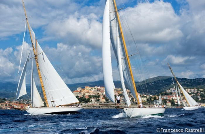 Le regine in regata a Imperia. Foto Rastrelli