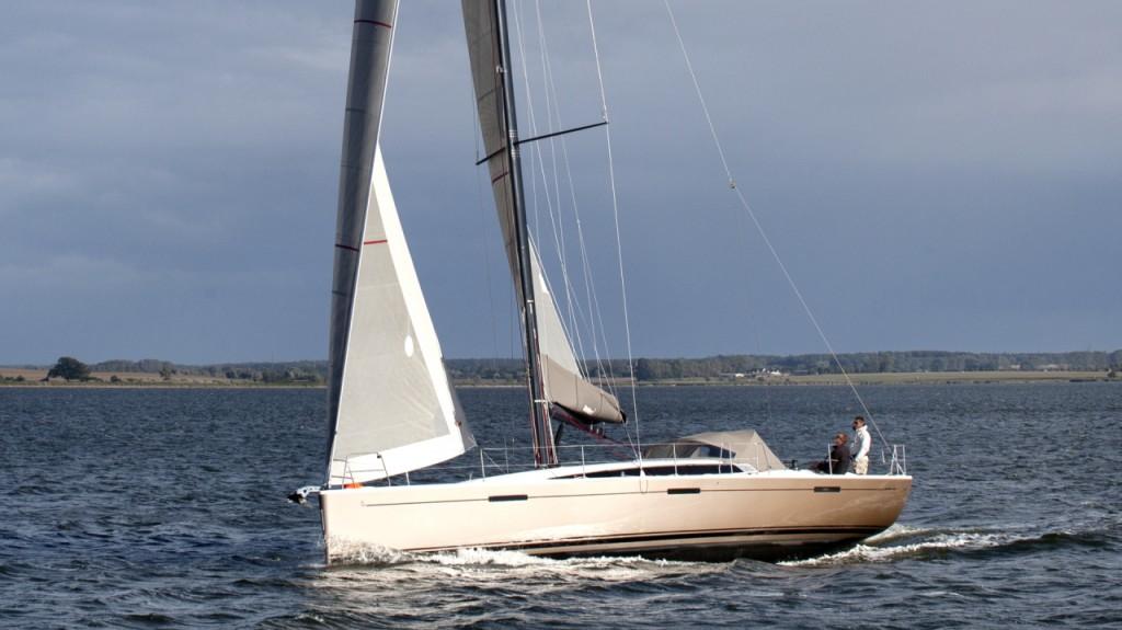 Il nuovo Dehler 46 in navigazione. L'ammiragli di hanse Group è candidata all'European Yacht of the Year 2015